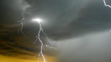 Photo of Meteolive: allerta meteo arancione per temporali e VENTO forte martedì 9 febbraio